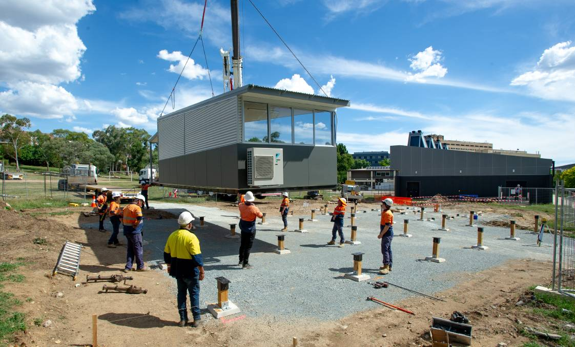 Transportable classrooms were installed at Garran Primary School in time for the start of the 2021 school year. Picture: Elesa Kurtz