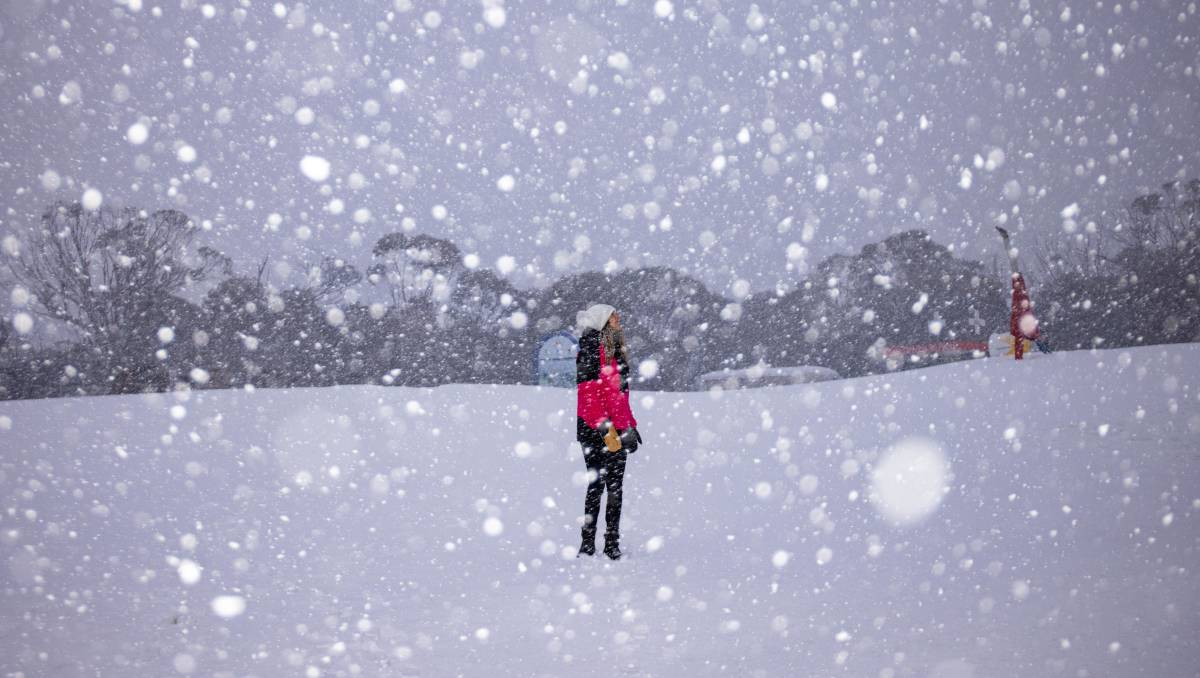 Canberra weather: Snow arrives in ACT with further falls forecast – The Canberra Times