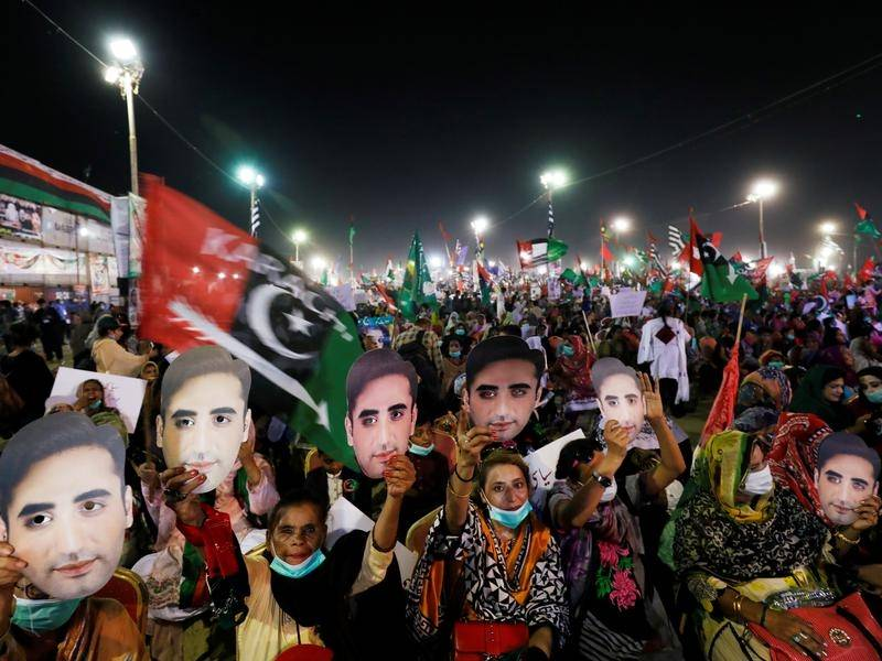 Tens of thousands of anti-government protesters have taken to the streets in Karachi.