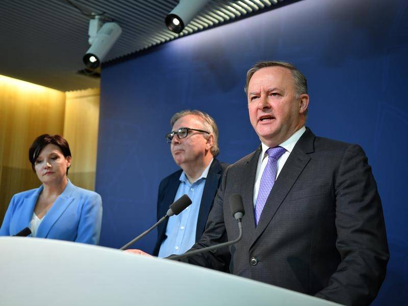 Professor Michael Lavarch (centre) will conduct a review of NSW Labor's head office.