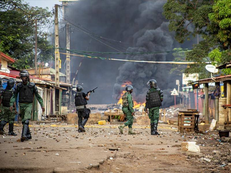 Violent clashes have erupted following voting Guinea's presidential election.