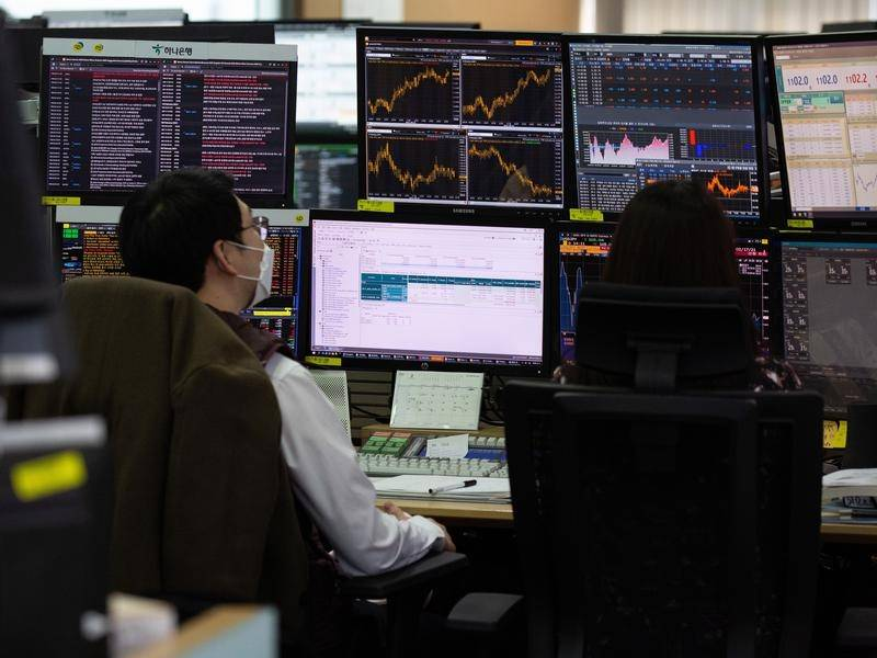 Asian shares have rebounded in response to an improved growth outlook,