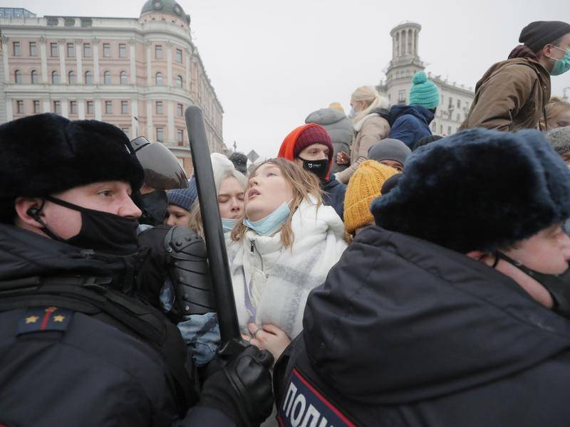 Unauthorised rallies for Alexei Navalny have taken place in more than 100 cities across Russia.